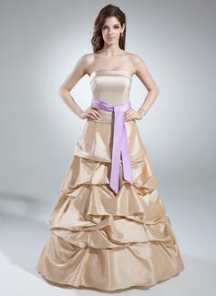 A-linjainen/Prinsessa Olkaimeton Lattiaa hipova pituus Tafti Quinceanera mekko jossa Rypytys Satiininauhavöitä (021016041)