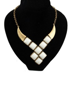 Exquisite Alloy With Imitation Stones Women's Fashion Necklace (137035191)