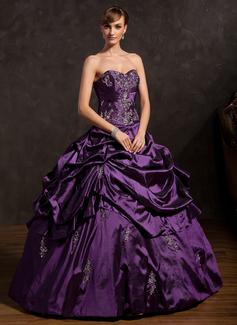 Tanssiaismekot Kullanmuru Lattiaa hipova pituus Tafti Quinceanera mekko jossa Kirjailtu Rypytys Helmikuvoinnit (021015146)