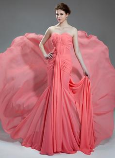 Trumpet/Mermaid Sweetheart Chapel Train Chiffon Prom Dress With Ruffle (018024365)
