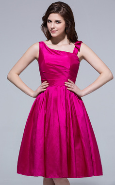 A-Line/Princess Knee-Length Taffeta Bridesmaid Dress With Ruffle Beading (007037193)