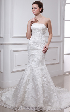 Trumpet/Mermaid Strapless Chapel Train Lace Wedding Dress With Beading (002000487)