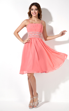 A-Line/Princess Knee-Length Chiffon Homecoming Dress With Ruffle Beading (022020610)