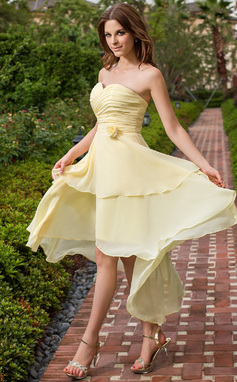 A-Line/Princess Sweetheart Asymmetrical Chiffon Bridesmaid Dress With Ruffle Flower(s) (022027107)