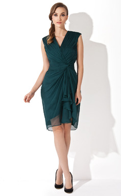 Sheath/Column V-neck Knee-Length Chiffon Mother of the Bride Dress With Cascading Ruffles (008006152)