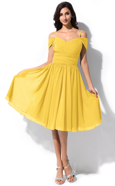 A-Line/Princess Off-the-Shoulder Knee-Length Chiffon Bridesmaid Dress With Ruffle (007063004)