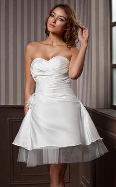 Corte A/Princesa Escote corazón Hasta la rodilla Tafetán Tul Vestido de novia con Volantes Flores (002011637)