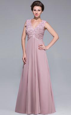 Vestidos princesa/ Formato A Decote V Longos tecido de seda Vestido para a mãe da noiva com Pregueado Renda Bordado lantejoulas (008025768)