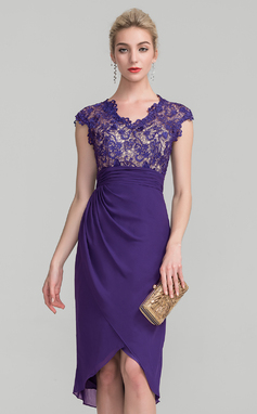 Sheath/Column V-neck Asymmetrical Chiffon Lace Mother of the Bride Dress With Ruffle (008114254)