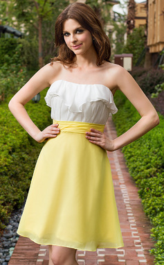 A-Line/Princess Sweetheart Knee-Length Chiffon Bridesmaid Dress With Cascading Ruffles (007051869)