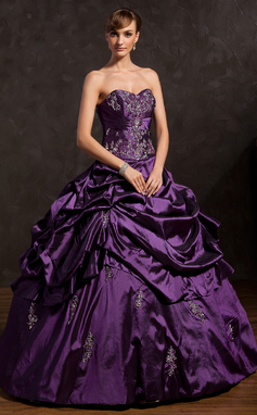 Ball-Gown Sweetheart Floor-Length Taffeta Prom Dress With Embroidered Ruffle Beading (018135353)