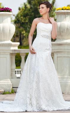 A-linjeformat Hjärtformad Chapel släp Spetsar Bröllopsklänning med Pärlbrodering (002000118)