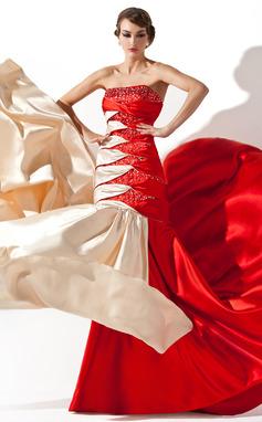 Corte A/Princesa Estrapless Cola corte Charmeuse Vestido de baile de promoción con Volantes Bordado Lentejuelas (018005066)