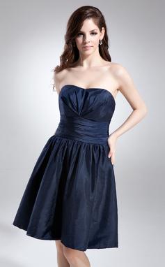 A-Linie/Princess-Linie Herzausschnitt Knielang Taft Brautjungfernkleid mit Rüschen (022015701)