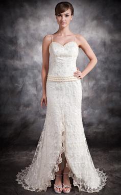 Trompete/Meerjungfrau-Linie Herzausschnitt Asymmetrisch Spitze Brautkleid mit Perlen verziert Schlitz Vorn (002032408)