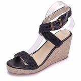 Mulheres Mesh Plataforma Peep toe Sandálias Calços com Fivela Oca-out (047208081)