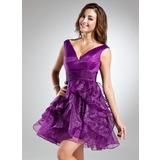 Трапеция/Принцесса V-образный Мини-платье Органза Платье для Встречи Выпускников с Ниспадающие оборки (022015532)