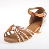 Mulheres Cetim Saltos Sandálias Latino com Strass Correia de Calcanhar Sapatos de dança (053026927)