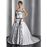 Платье для Балла В виде сердца Церковный шлейф Атлас Свадебные Платье с Вышито (002014784)