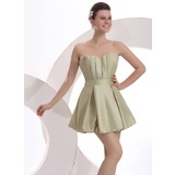 A-Line/Princess Scalloped Neck Short/Mini Cocktail Dress With Ruffle (016023920)