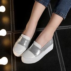 Женщины кожа Вид каблука Закрытый мыс Танкетка с Соединение врасщеп обувь (086119382)