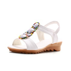 Konstläder Flat Heel Platta Skor / Fritidsskor Slingbacks med Pärlbrodering skor (087049391)