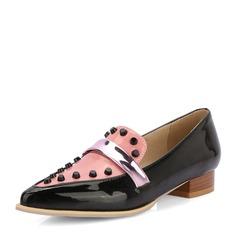 Женщины PVC Плоский каблук На плокой подошве Закрытый мыс с заклепки обувь (086153765)