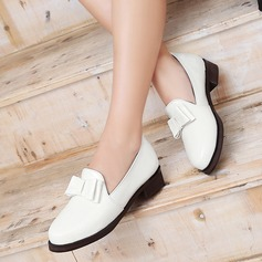 Women's Patent Leather Flat Heel Flats Closed Toe With Bowknot shoes (086119366)