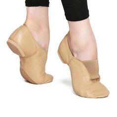 Женщины Натуральня кожа На плокой подошве Джаз Обувь для танцев (053121377)