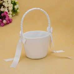 Classic Flower Basket in Satin With Ribbons (102025559)
