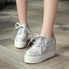 Женщины кожа Вид каблука Закрытый мыс Танкетка с Шнуровка обувь (086119385)