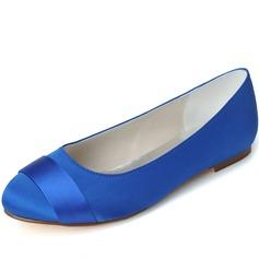 Vrouwen Satijn Flat Heel Closed Toe Flats (047058260)