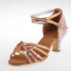 Mulheres Cetim Saltos Latino com Strass Correia de Calcanhar Sapatos de dança (053018634)