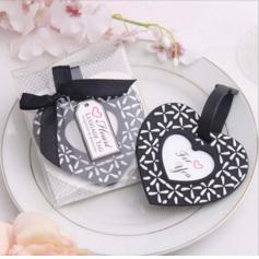 в форме сердца в форме сердца пластиковые Бирки для багажа (Продается в виде единой детали) (051089986)