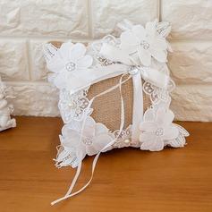 Чистая элегантность Кольцо подушки в Атлас с Ленты/Цветы (103093318)