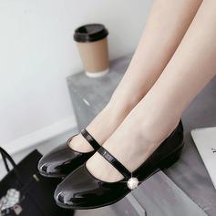 Женщины PU Плоский каблук На плокой подошве Закрытый мыс с Имитация Перл обувь (086145727)