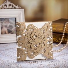 Style Florale Porte pliante Invitation Cards (Lot de 50) (114055077)