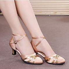 Женщины Атлас На каблуках Сандалии На каблуках Бальные танцы с Ремешок на щиколотке В дырочку блестками Обувь для танцев (053102768)