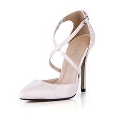 Kvinnor Lackskinn Stilettklack Pumps Stängt Toe med Spänne skor (085042678)