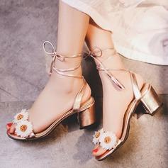 Mulheres Couro verdadeiro Salto robusto Sandálias Beach Wedding Shoes com Flor (047125435)