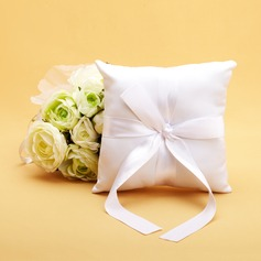 Ring Pillow in Satin With Pearl (103018229)