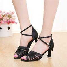 Женщины Атлас На каблуках Сандалии Латино с пряжка В дырочку Обувь для танцев (053108029)