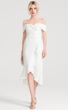 Corte trompeta/sirena Fuera del hombro Asimétrico Crepé Elástico Vestido de novia con Cascada de volantes (002207432)